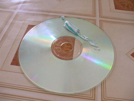 cd cu pasta de dinti.jpg