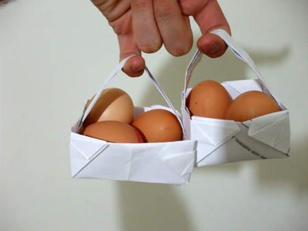 cosulet de hartie cu oua