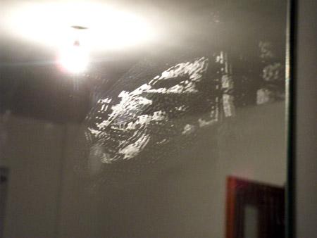Cum sa scoti urmele de scotch de pe geam